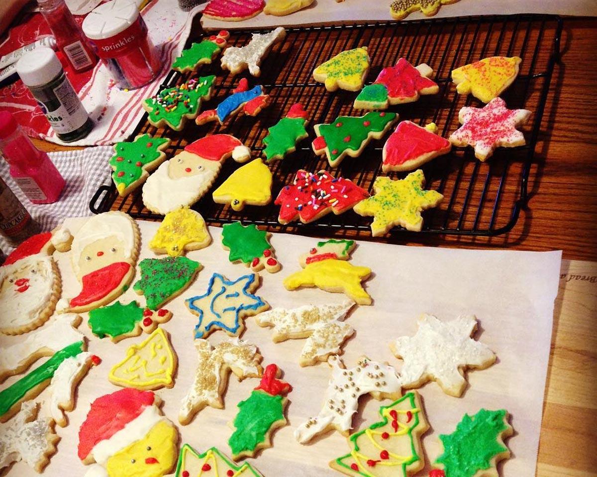 December-2016_Christmas-cookies